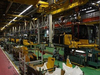 KOMASTUのライン工場